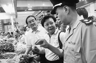 食品安全事件频发 专家称是难以跨越的社会发展阶段