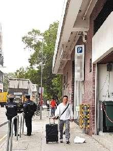 香港屈臣氏等三大超市职员炒卖奶粉 18人被拘